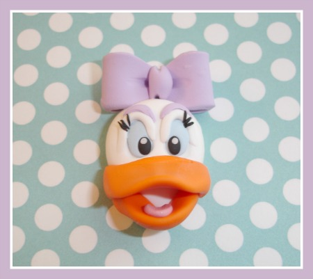 Daisy Duck Face