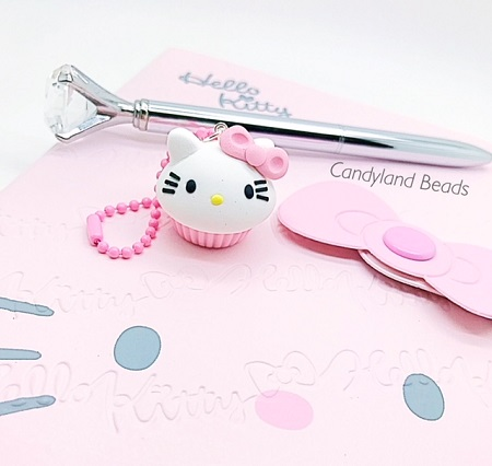 Hello Kitty Cupcake Charm